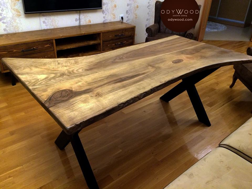 Walnut Log Desk No:3 -  Metal Cross Leg'in resmi