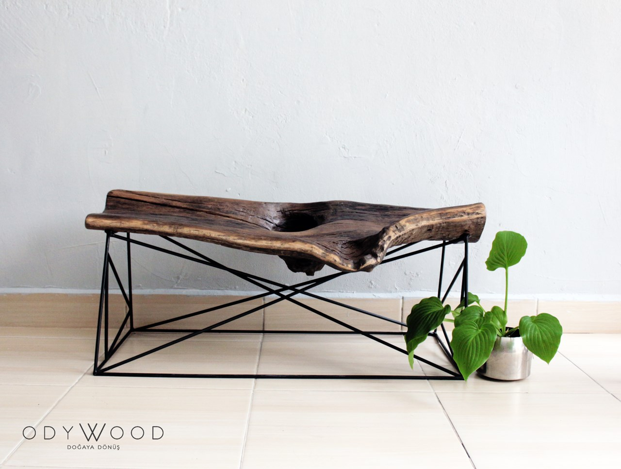 KOVUK Bench & Coffee Table'in resmi