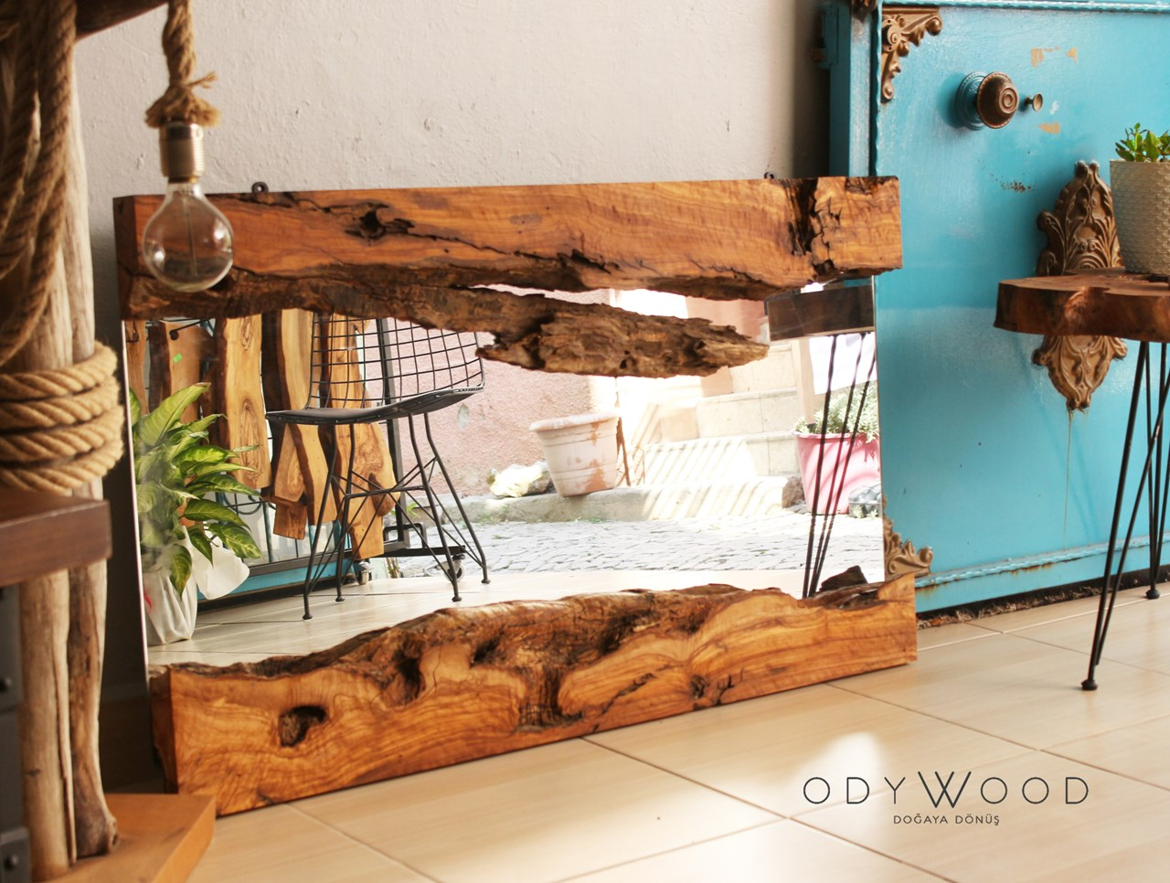 Live Edge Olive Mirror, NO2'in resmi