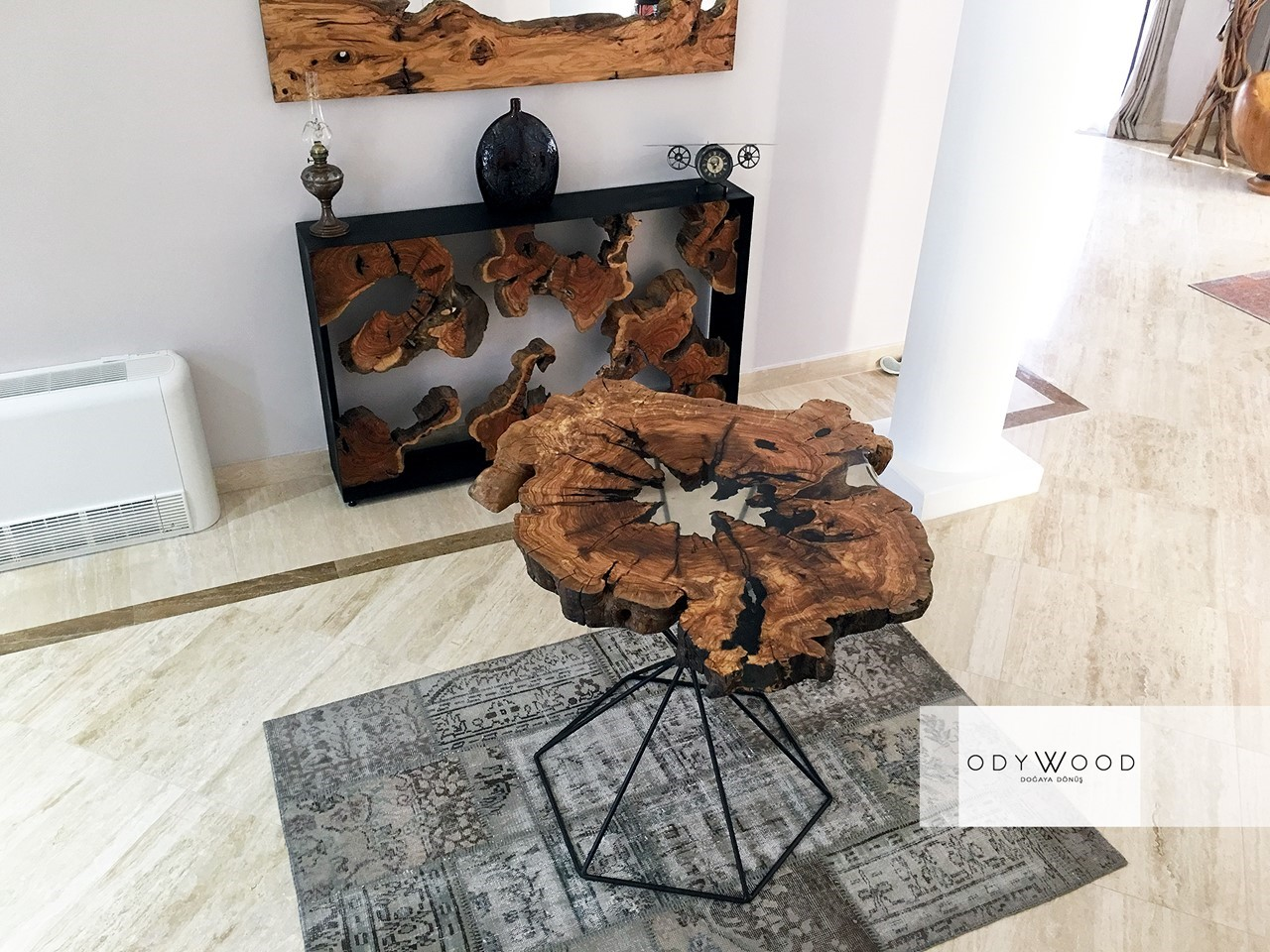 Laberry Resin Coffee Table with Leg The Crystal'in resmi